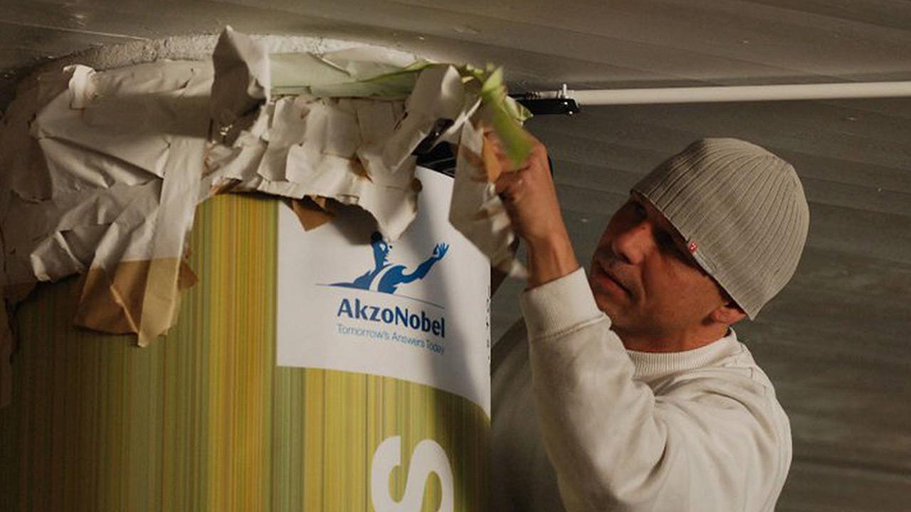 Akzo Nobel vende negocio de químicos a Carlyle por 12,600 mdd