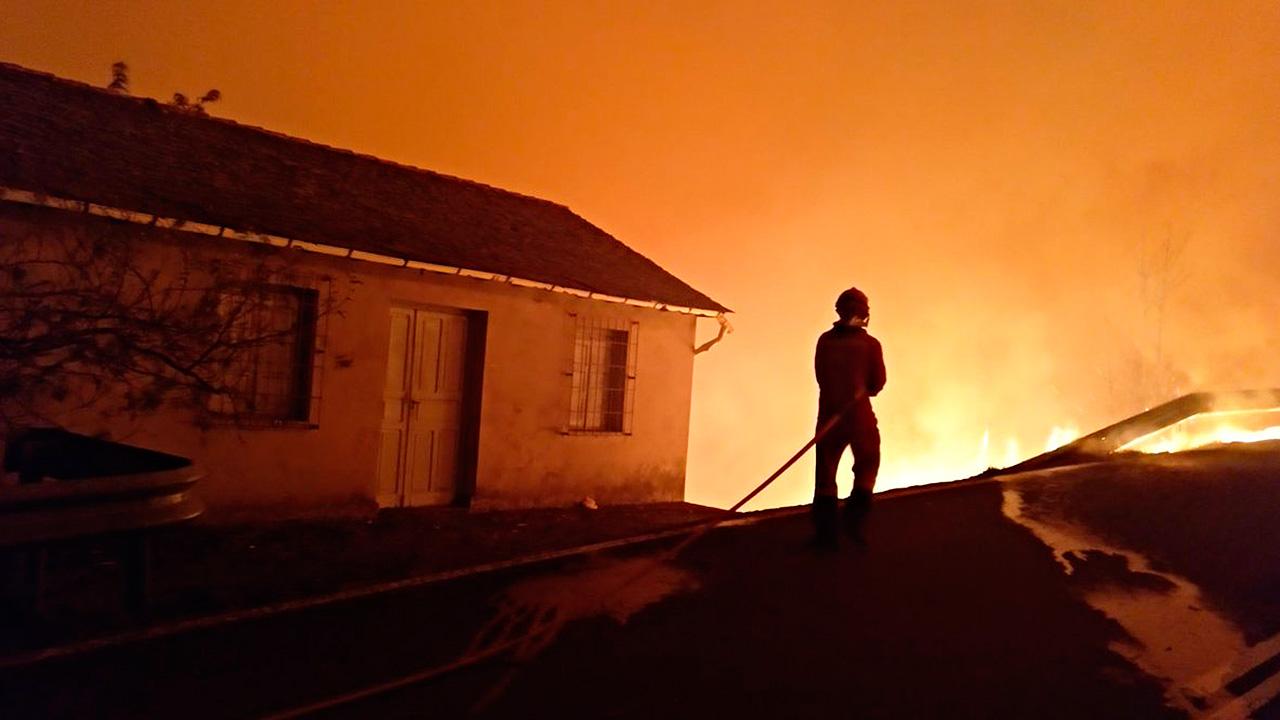 Saldo por incendios en Portugal y España sube a 35 muertos