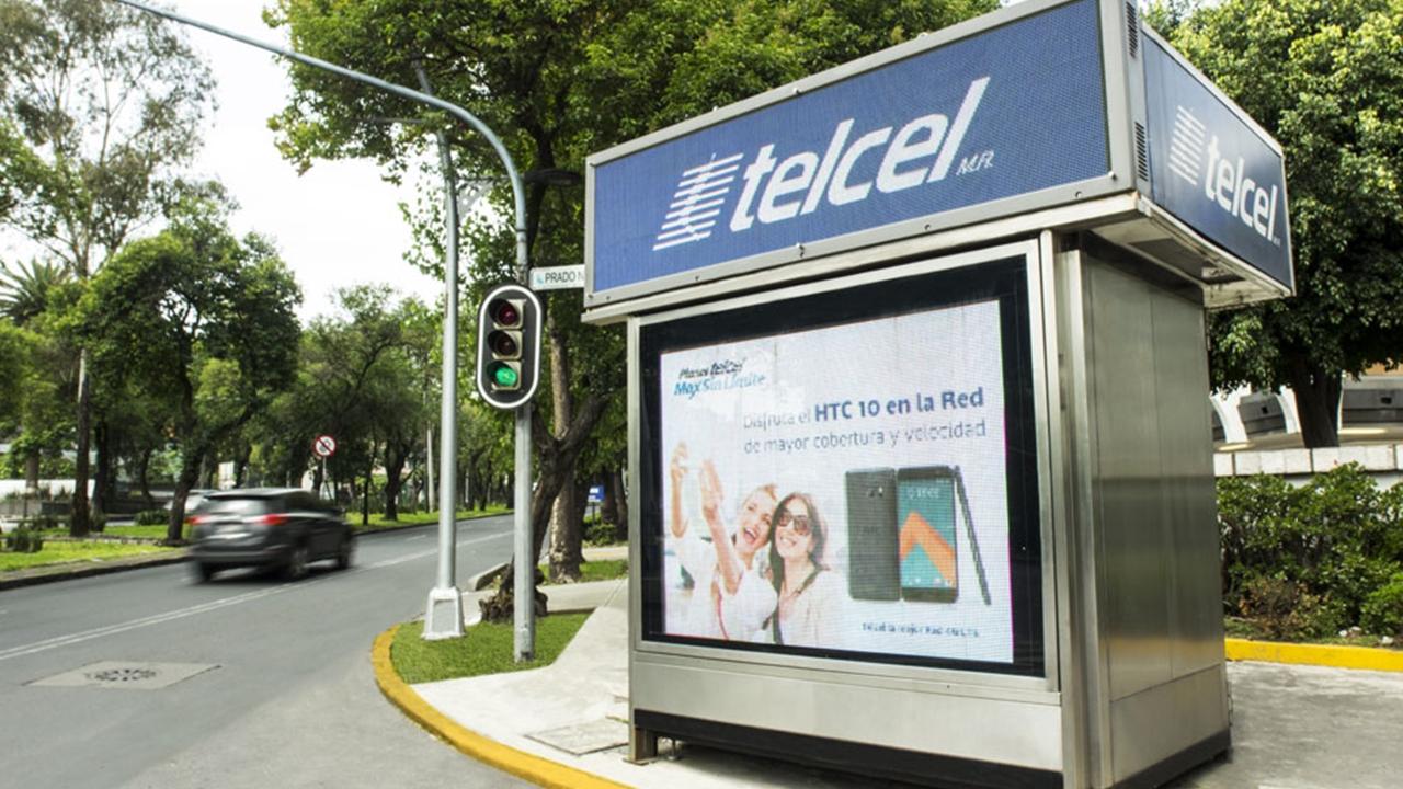 Carlos Slim y JCDecaux se unen en empresa de publicidad exterior
