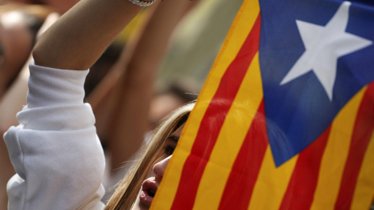 España envía a juicio a líderes independentistas de Cataluña