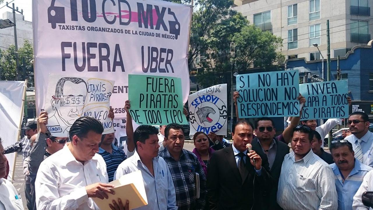 Tras movilización, gobierno y taxistas acuerdan mesas de trabajo