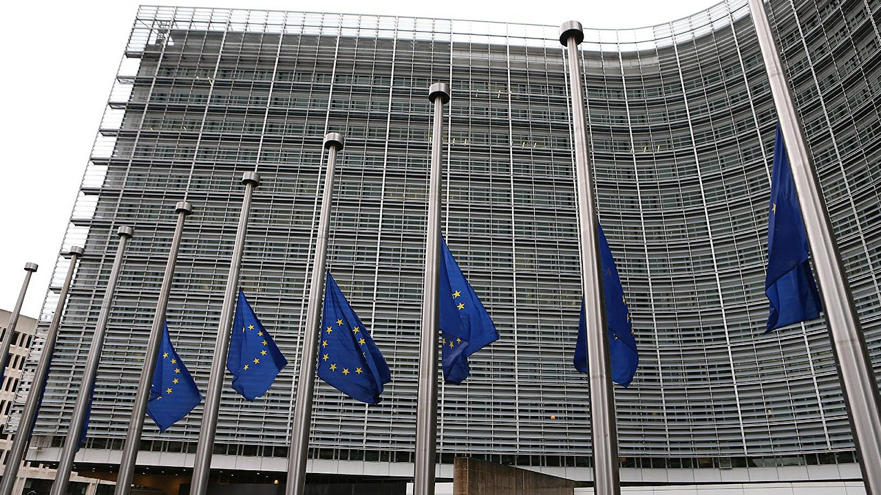 Unión Europea firma pacto de defensa tras 70 años de discusiones