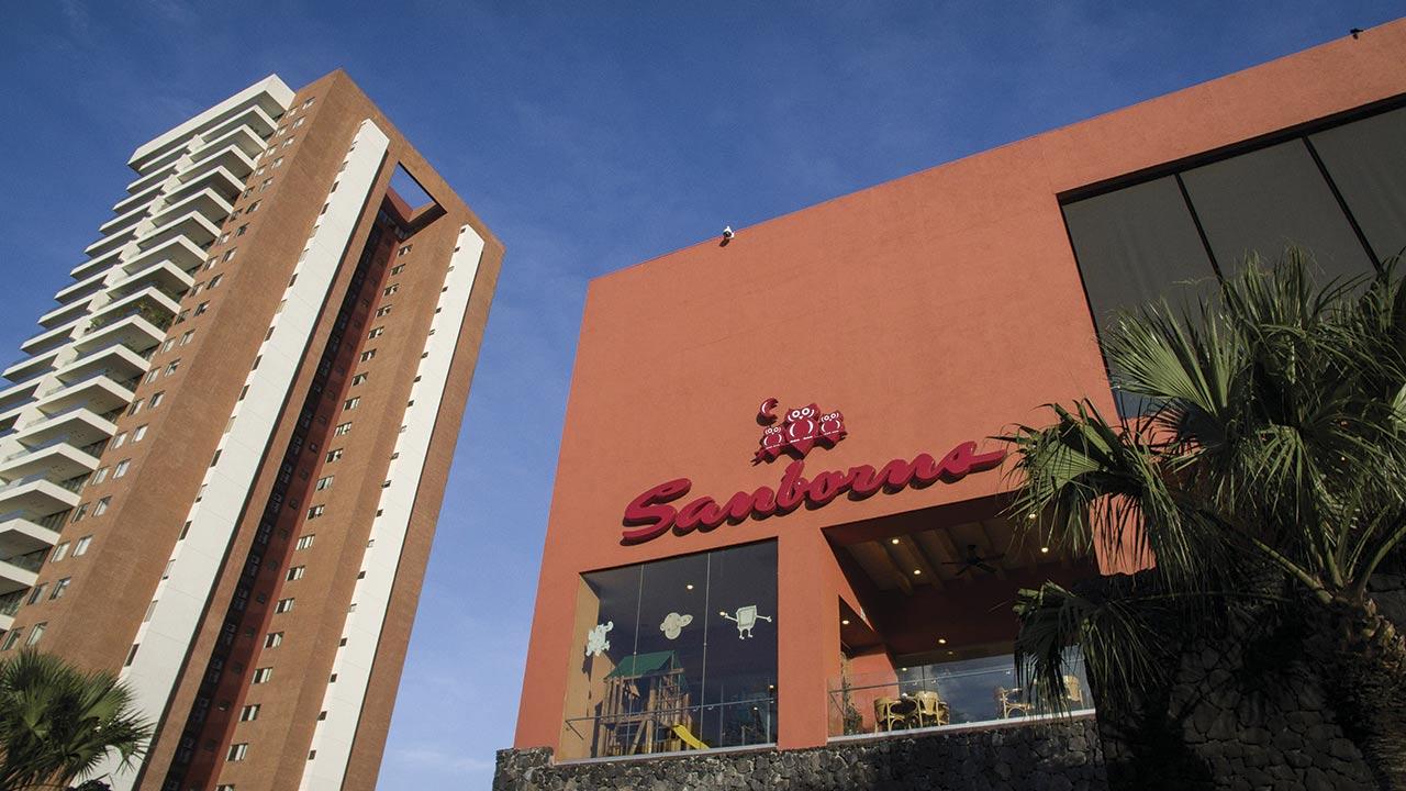 Sanborns, el negocio de Slim que se hace pequeño
