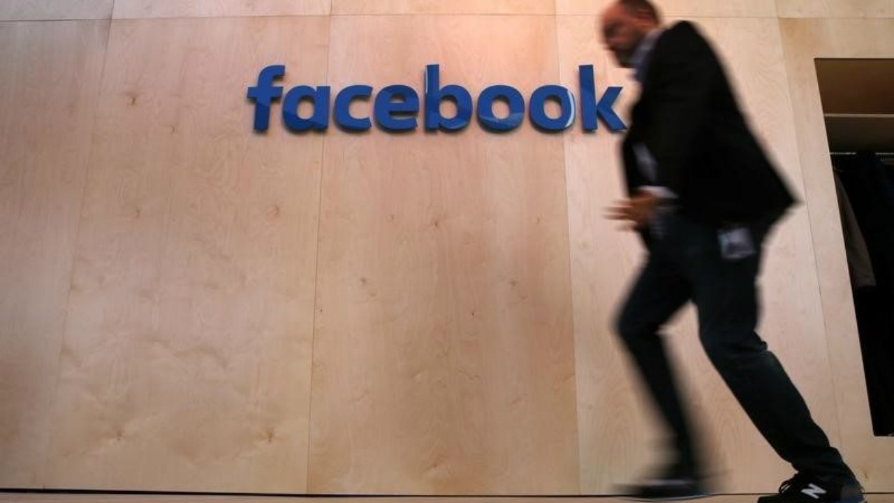 Facebook descarta garantizar que su red sea buena para la democracia