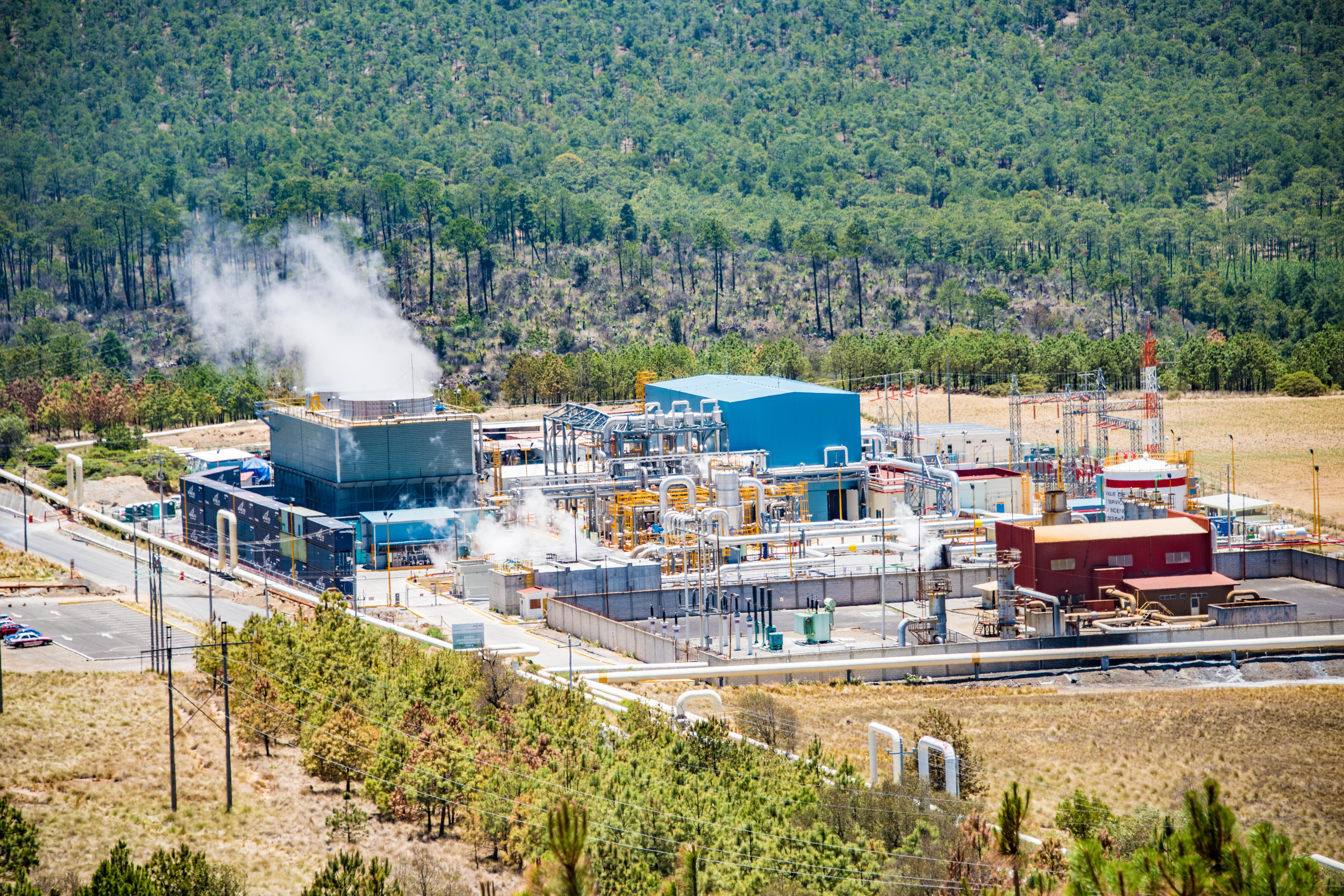 CFE invierte 47 mdd en central geotérmica de Puebla
