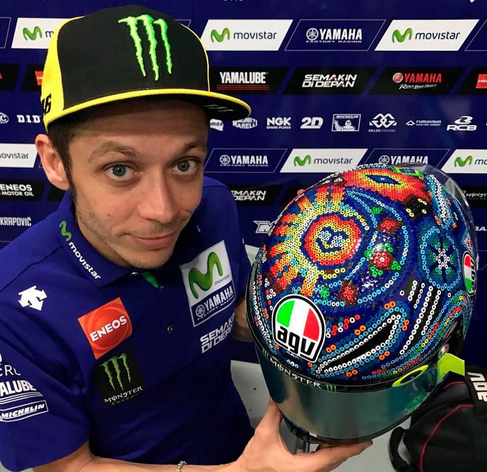 El arte huichol conquista a Valentino Rossi
