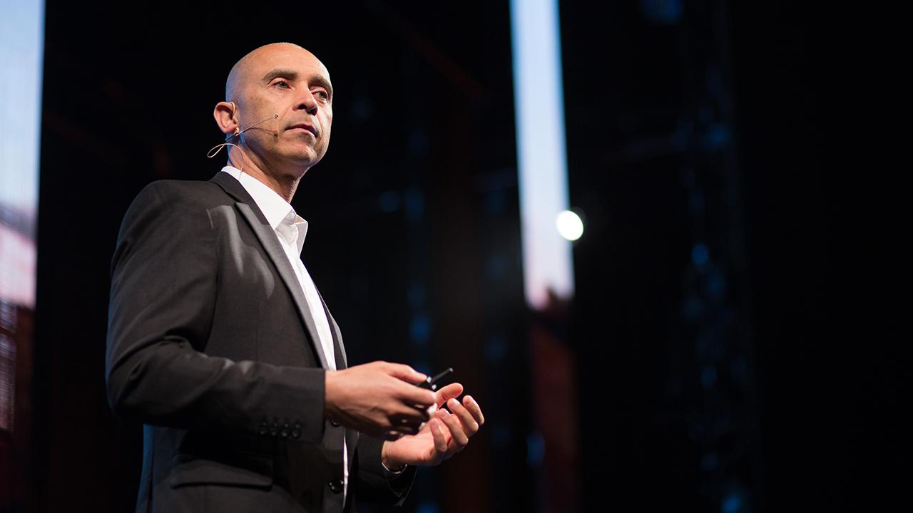 Las grandes empresas no saben de disrupción: David Roberts