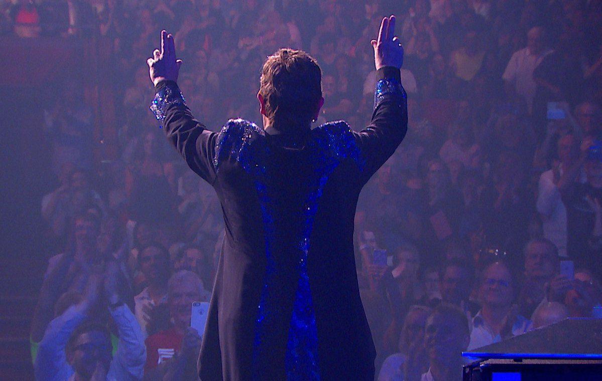 Elton John premiado por Harvard a raíz de su lucha contra el VIH/sida
