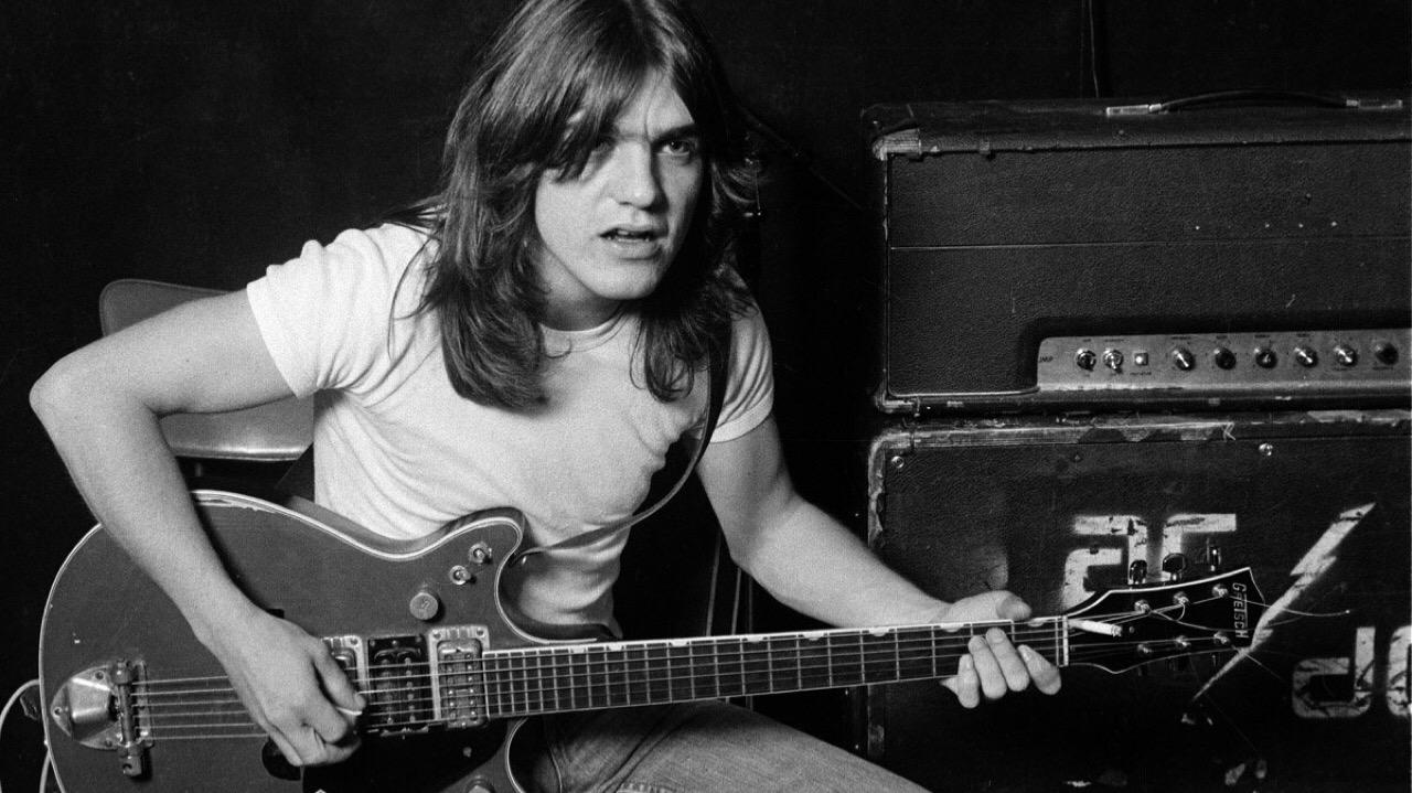 Malcolm Young, fundador de AC/DC, muere a los 64 años