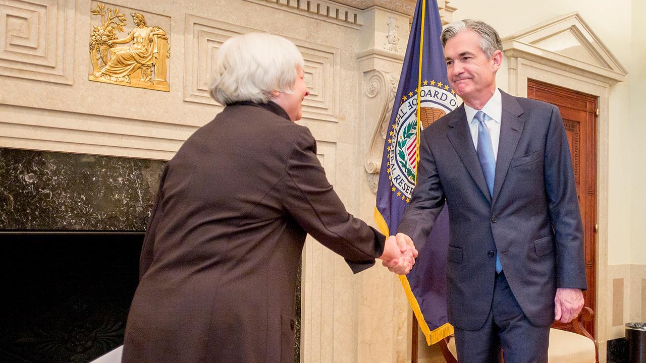 Casa Blanca notifica a Powell nominación para presidir la Fed: WSJ