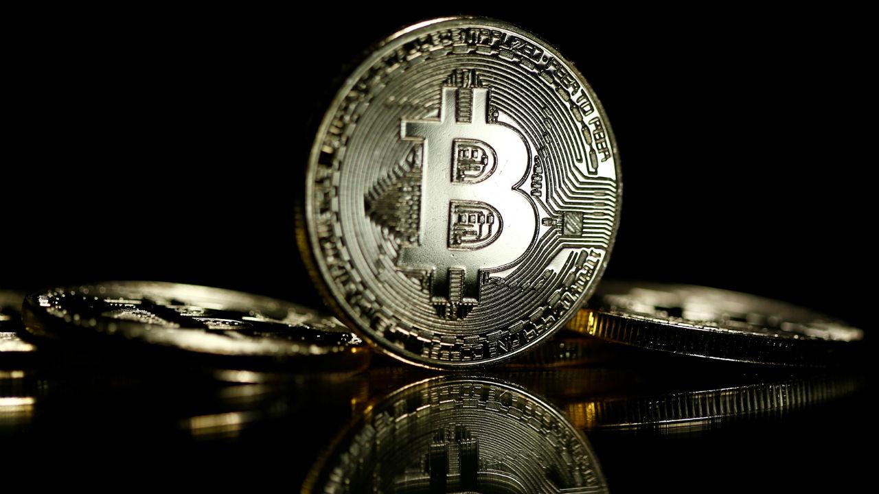 Bitcoin alcanza nuevo récord, pero 74% de los administradores de fondos piensan que es una burbuja