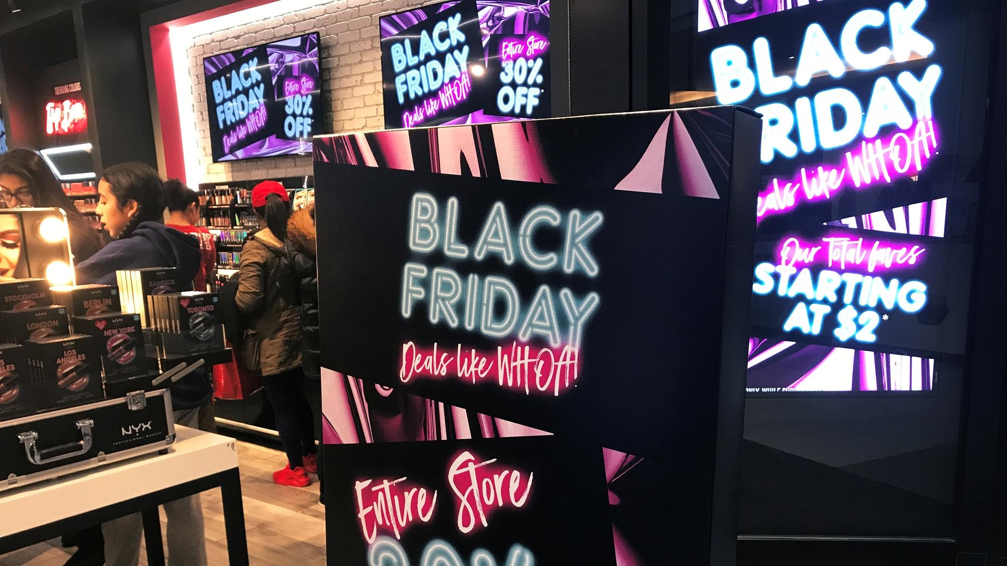 """EU vive un """"Black Friday"""" con poca expectación y mucha compra por internet"""