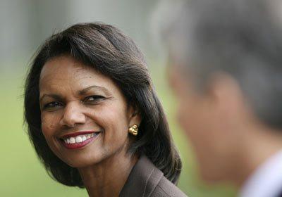 Si los ciudadanos insisten, saldrá la corrupción: Condoleezza Rice