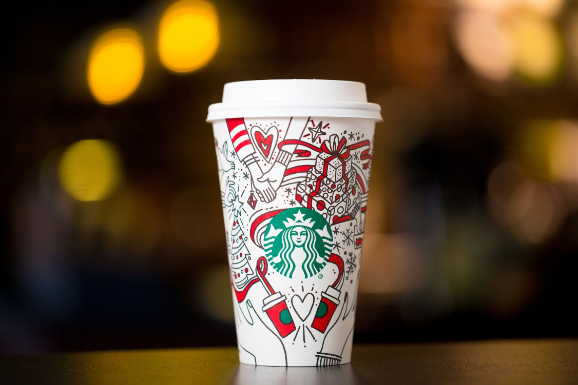 Starbucks planea cambios, entre ellos algunos despidos