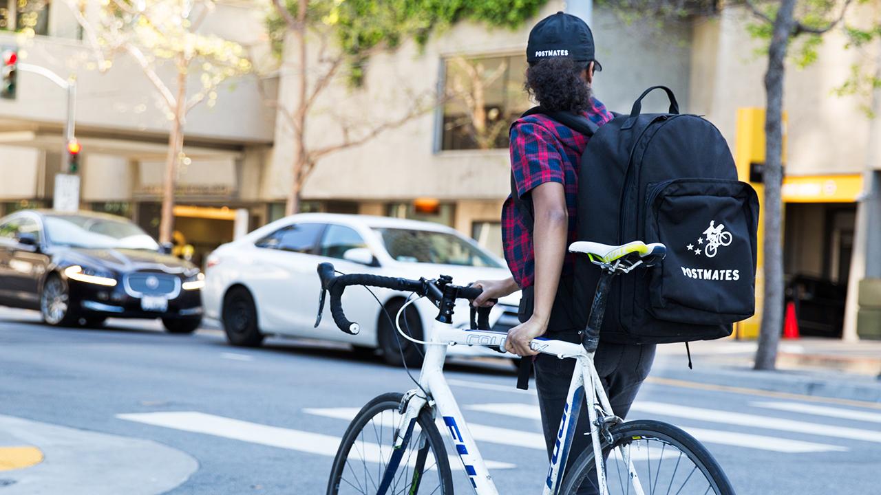 Postmates llega a la CDMX y viene por el mercado de Uber Eats