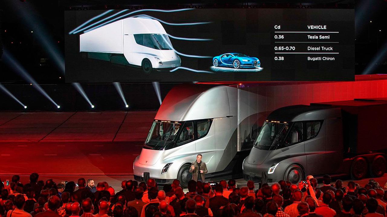 Tesla lleva su revolución eléctrica a los camiones de carga