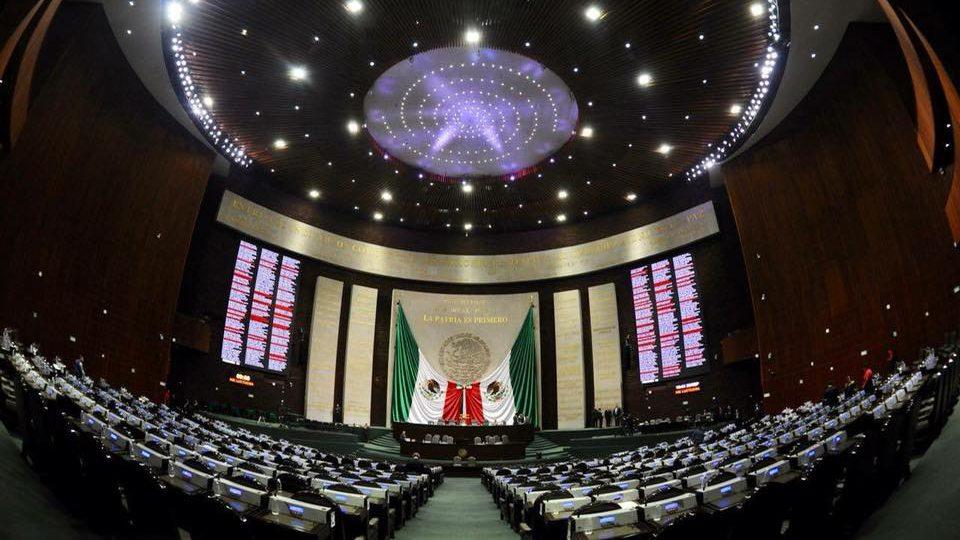 Diputados aprueban eliminar fuero a funcionarios públicos