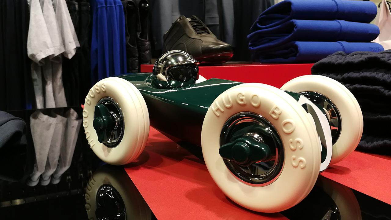 Hugo Boss se inspira en el automovilismo