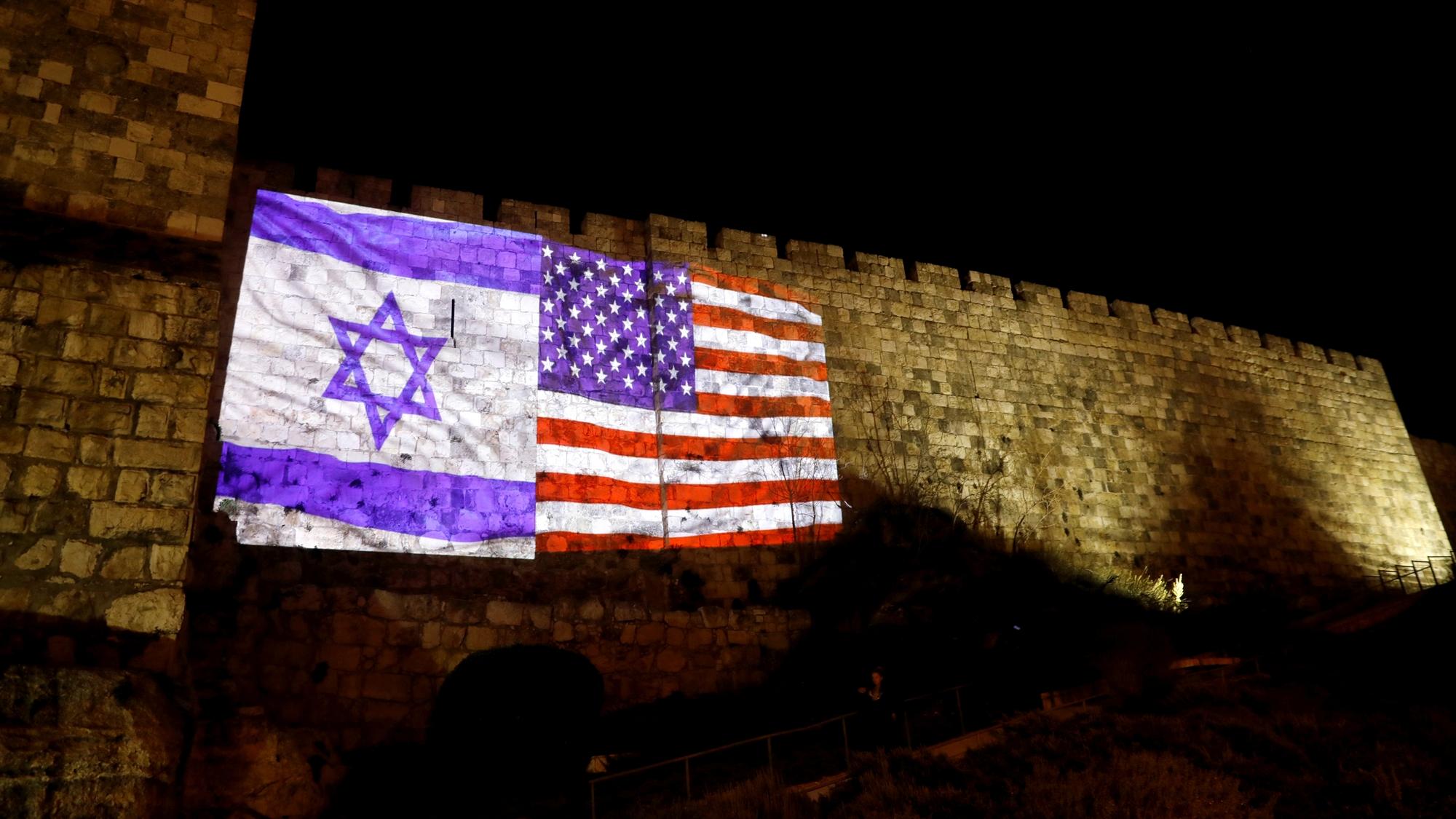 Trump niega que embajada de EU se traslade a Jerusalén en un año