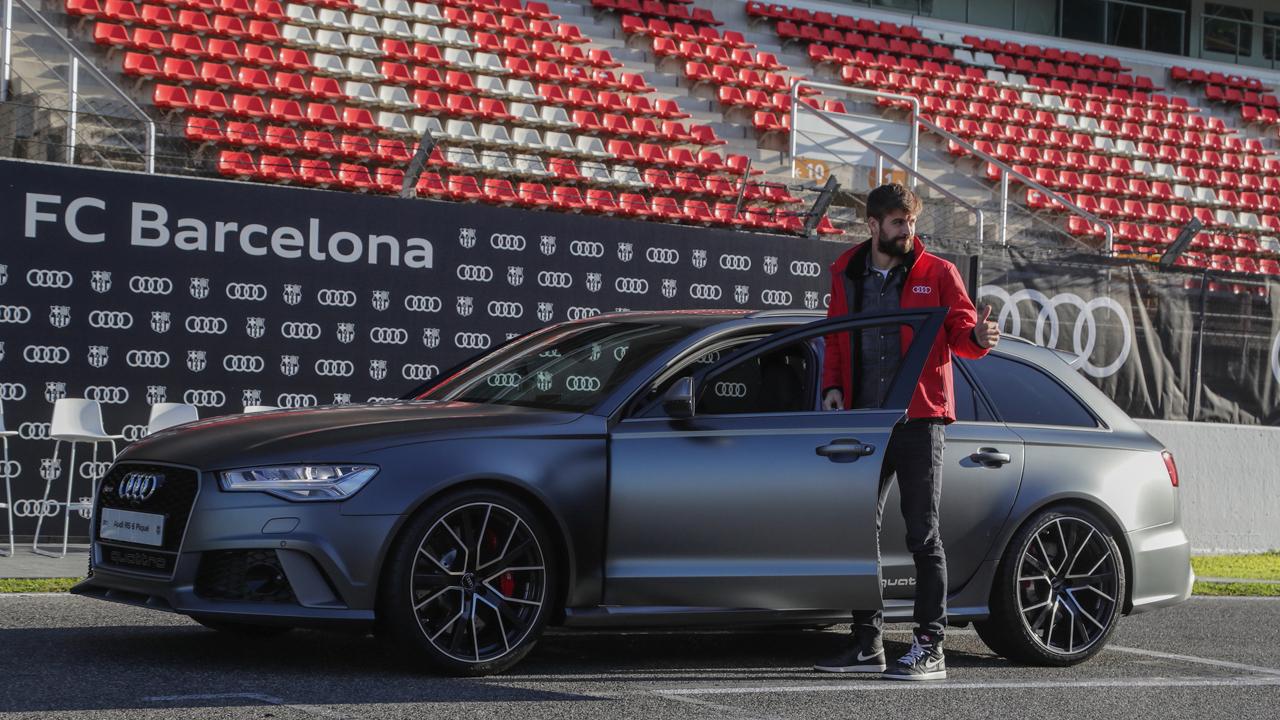 Messi y Piqué toman clases de manejo con Audi