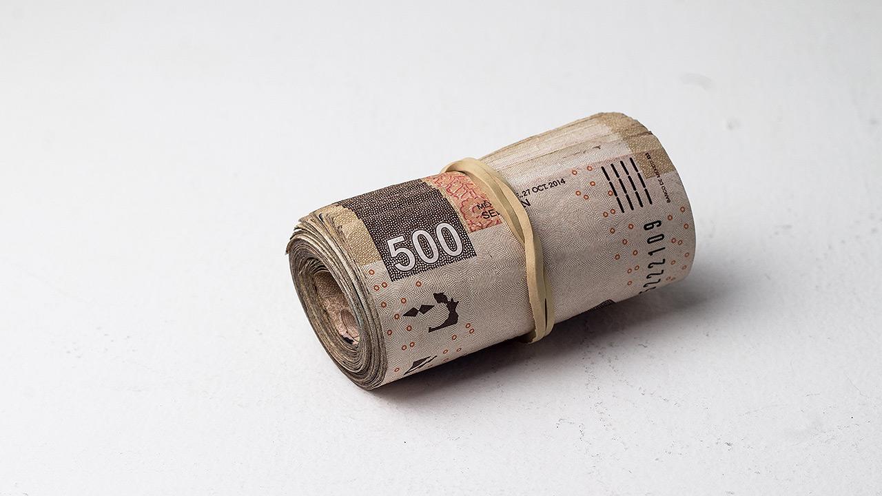 Bancos tienen 1.4 billones para prestar, pero los mexicanos piden cada vez menos créditos