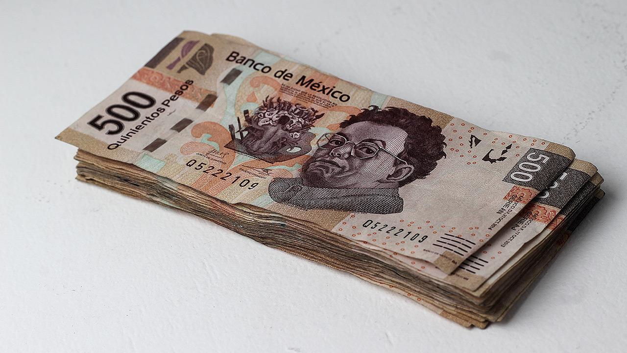 Peso arranca jornada con ganancias: cotiza en 22.07 por dólar