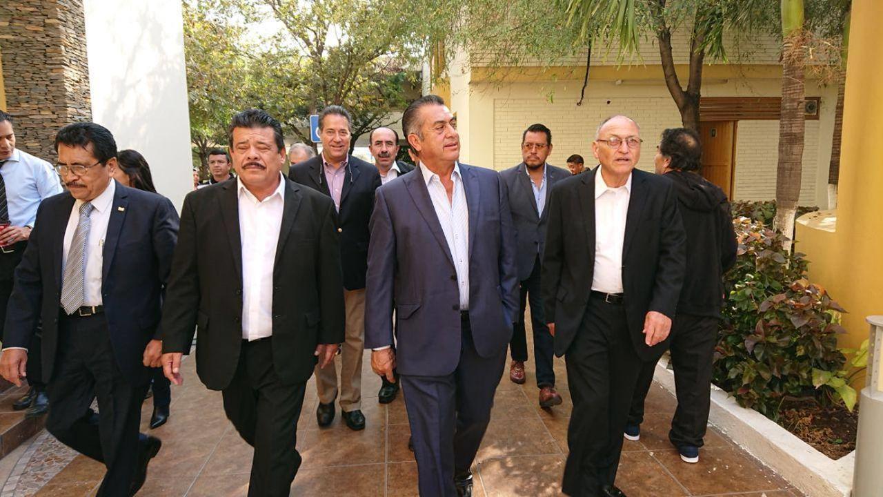 Defensa de 'El Bronco' denuncia ante Fepade fallas en captura de firmas