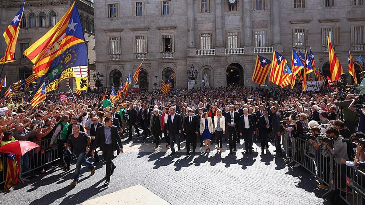 Triunfo independentista en Cataluña agrava crisis política