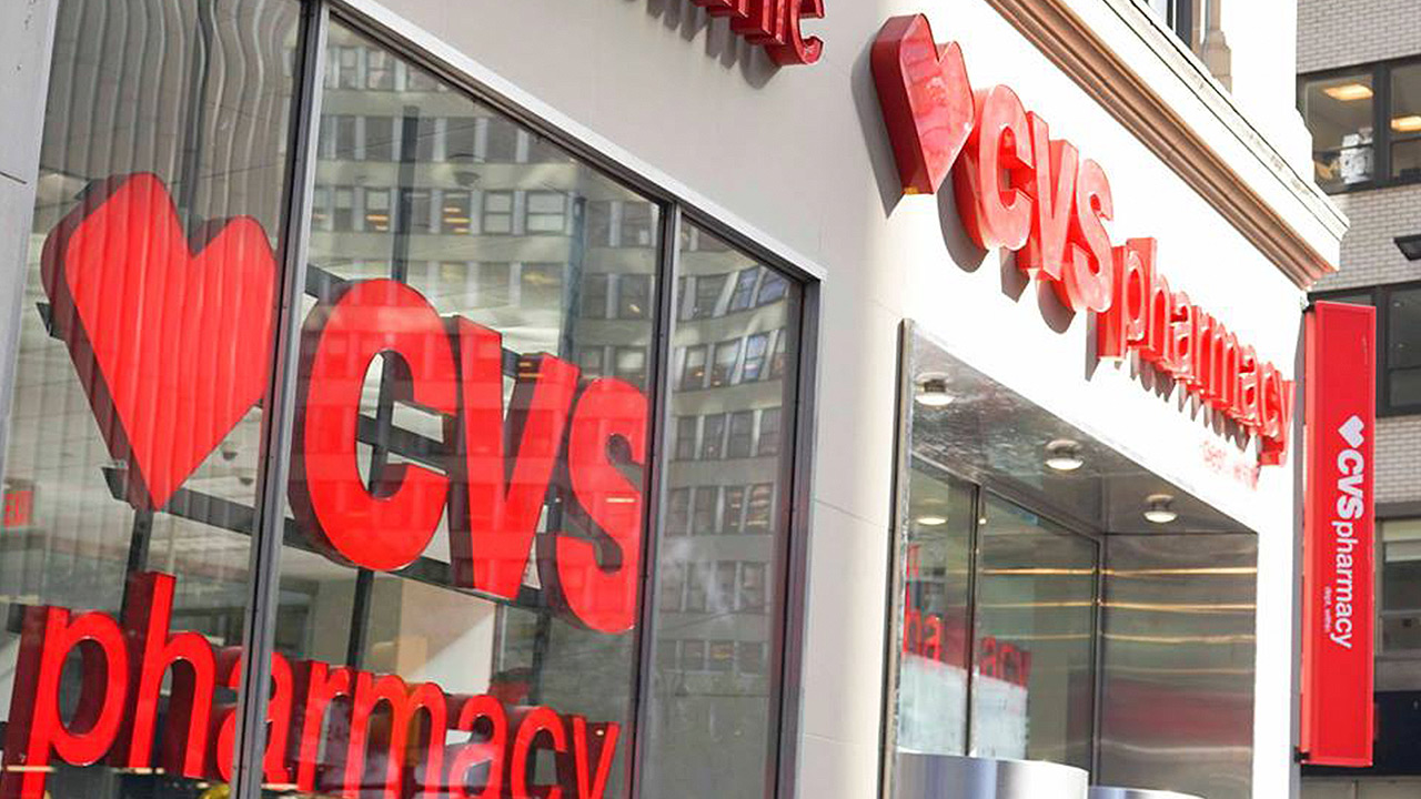 CVS Health anuncia compra más grande del año: 69,000 mdd por Aetna