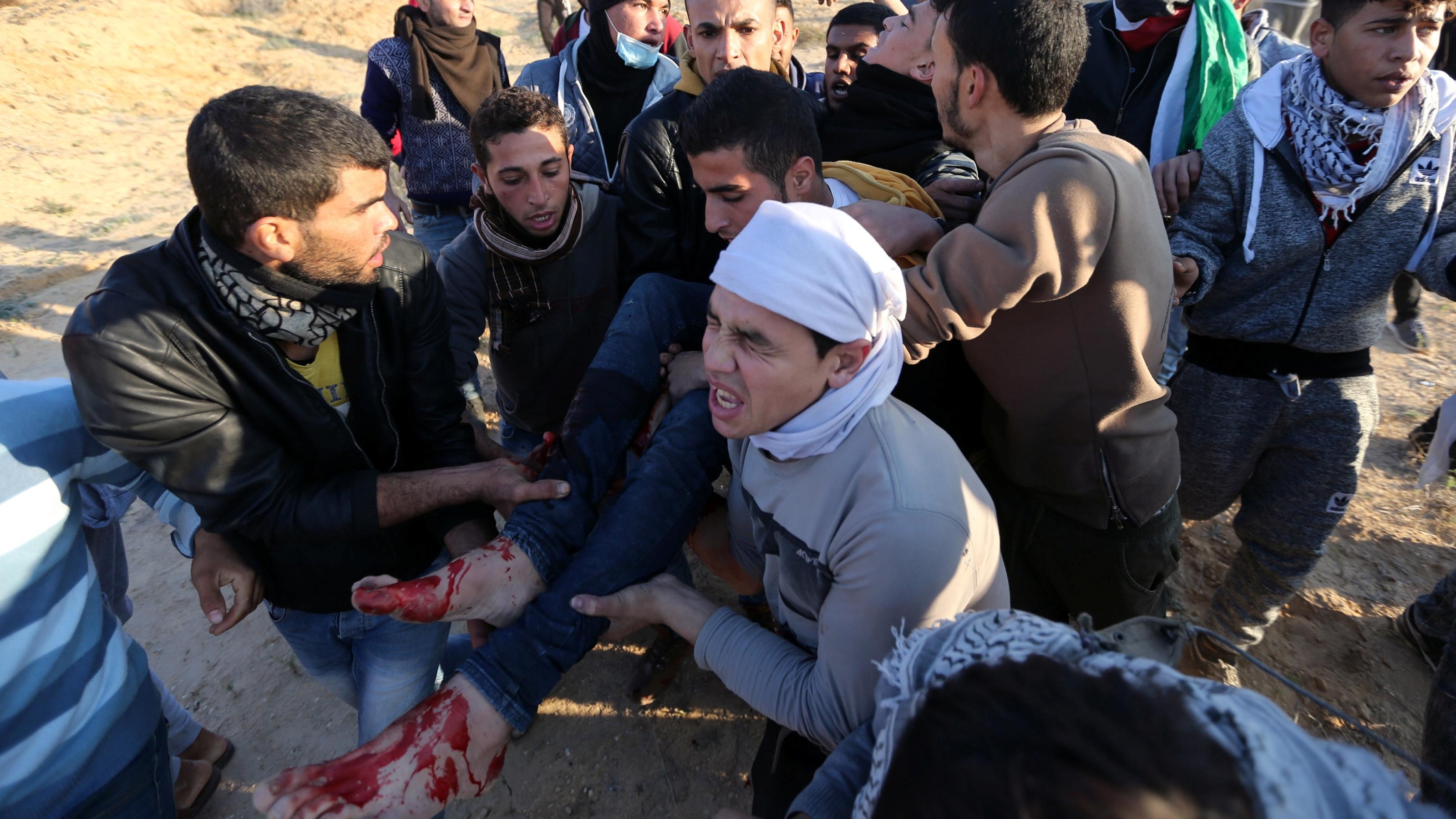 Enfrentamientos porJerusalén dejan un muertoy más de 80 heridos