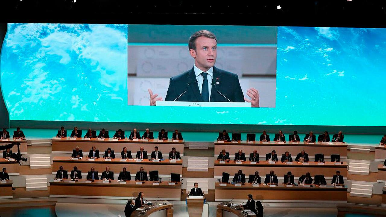 Trump y Macron difieren en París sobre defensa europea
