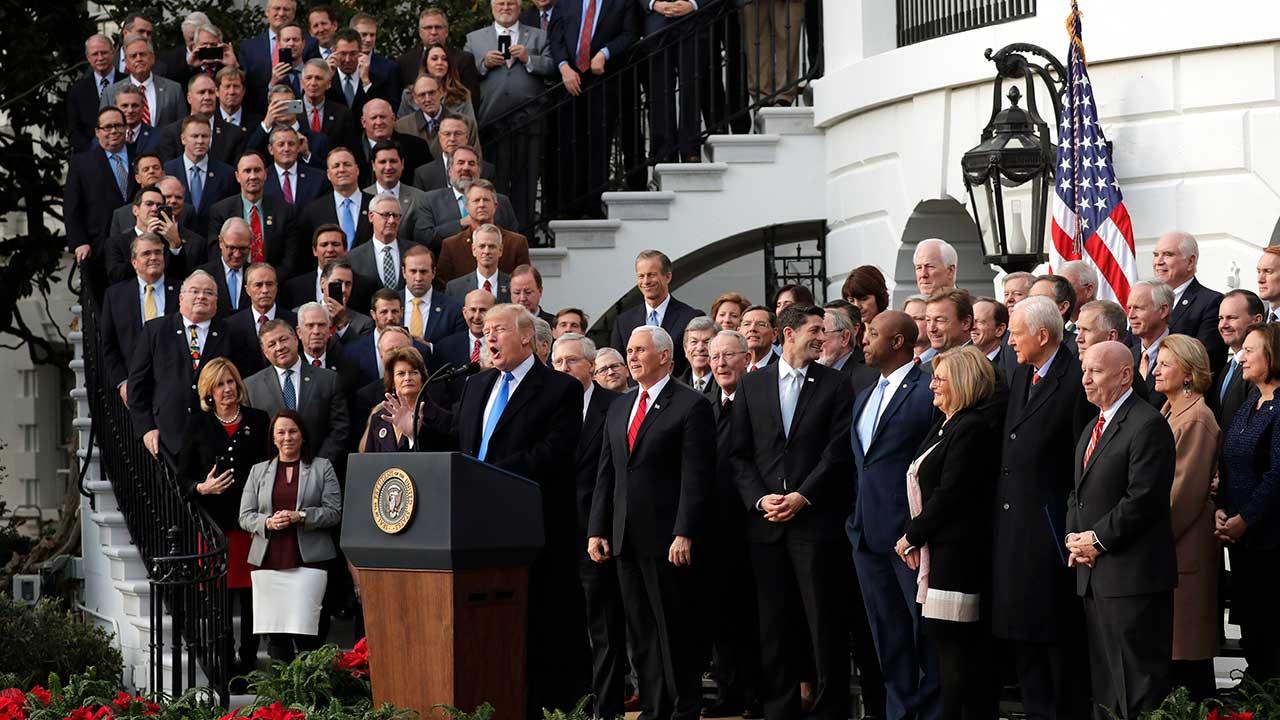 Trump trabaja en la aprobación de una reforma migratoria