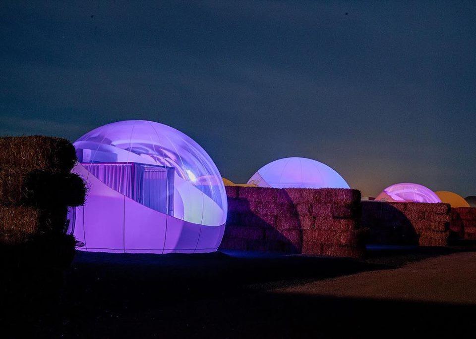 Atrévete a dormir en una burbuja con techo de estrellas