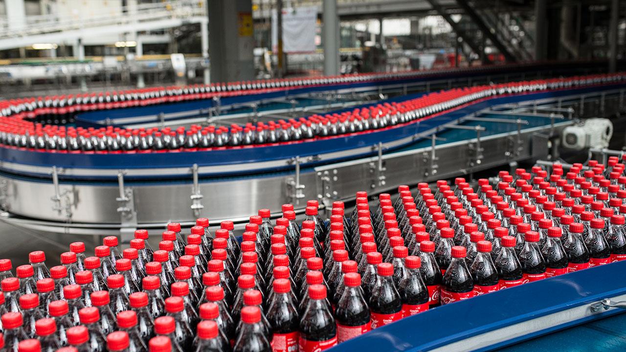 Coca Cola espera crecimiento de ingresos en 2021