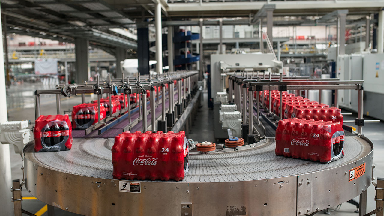 Casi la mitad de la energía usada por Coca-Cola es renovable