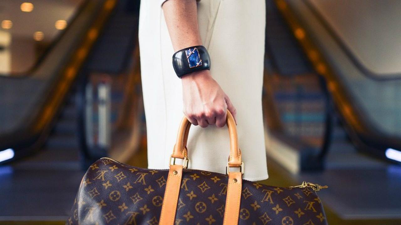 Marcas de lujo que impulsan el empoderamiento femenino