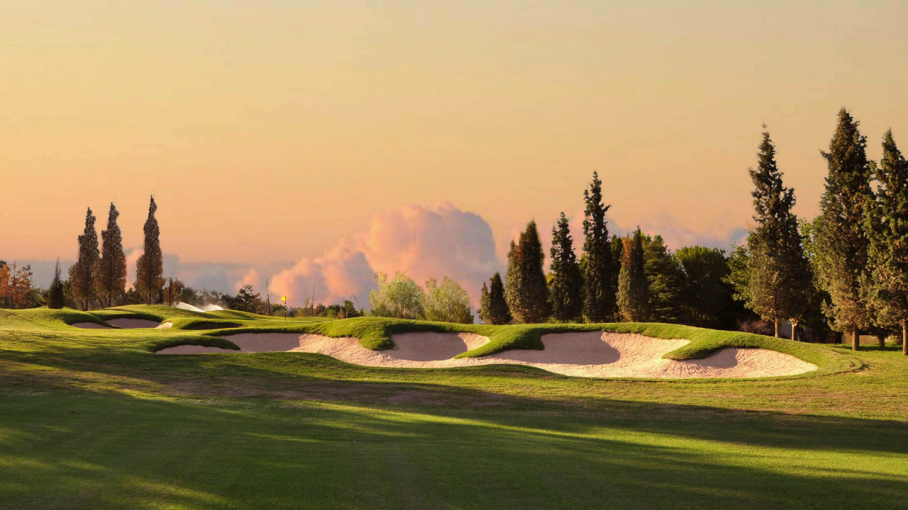 Las Tablas de la Ley del diseño del campo de golf
