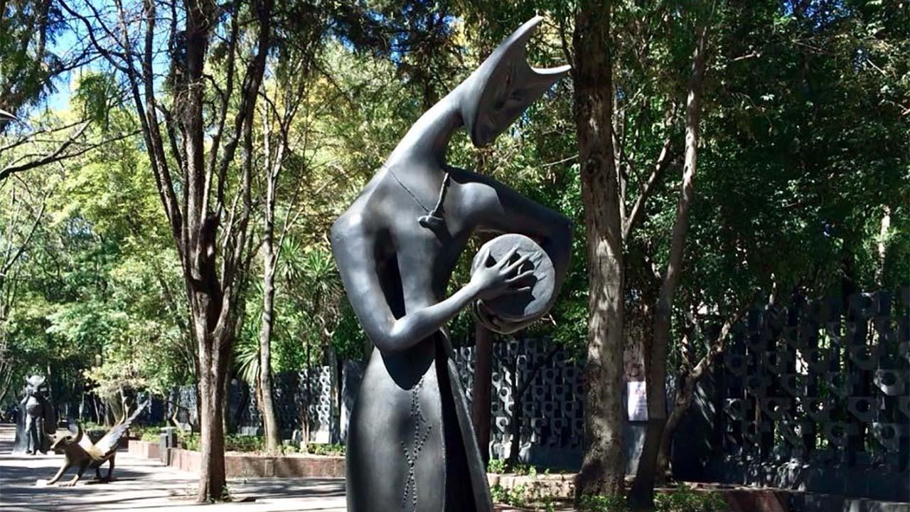 "Admira el ""Onirismo en Bronce"" de Leonora Carrington"