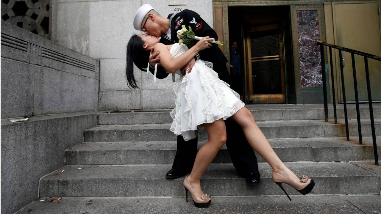 Mayor número de parejas sexuales podría aumentar riesgo de cáncer: estudio