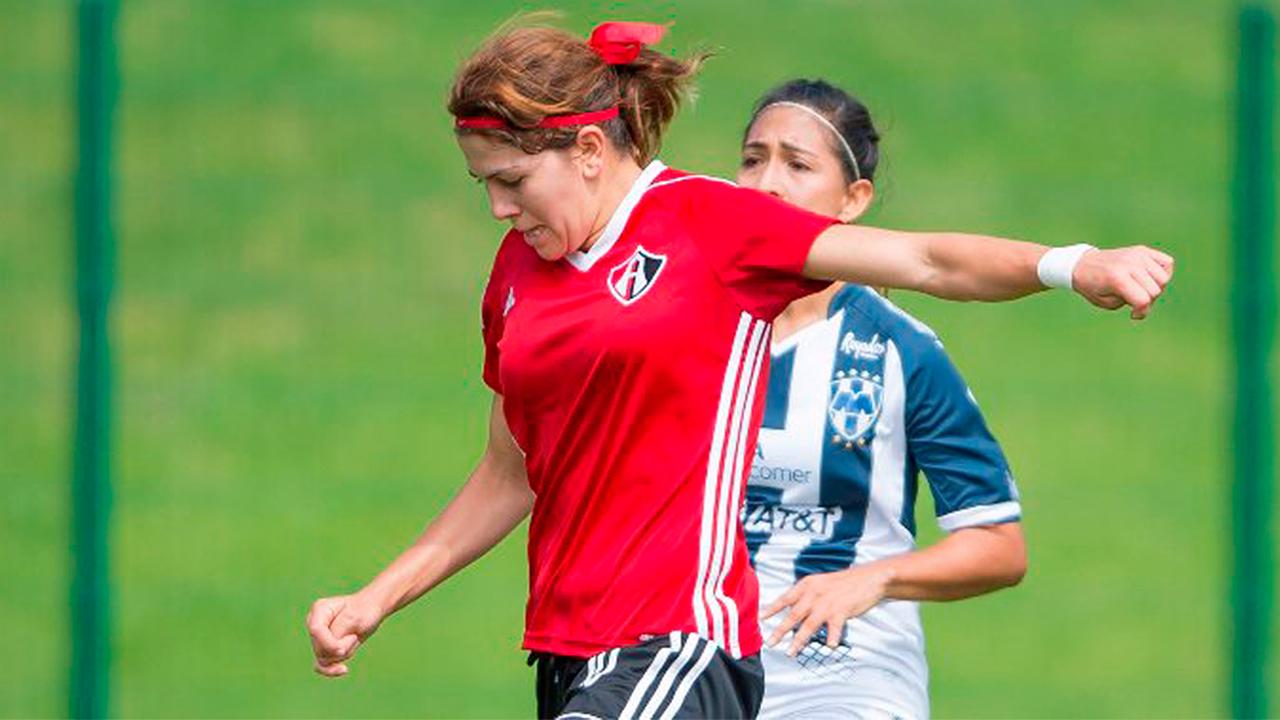 Alicia Cervantes vs. 'Gullit' Peña: salarios que cuestionan al futbol mexicano