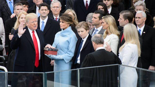 Trump inicia su segundo año con un cierre parcial de gobierno