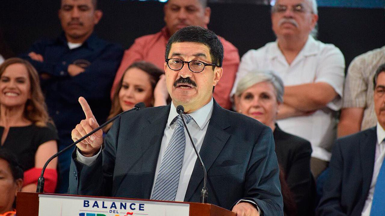 Corral se deslinda de Ricardo Anaya; denuncia simulación política