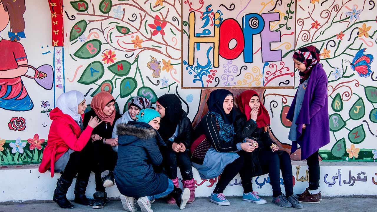 Apple y Malala apoyarán a 100,000 niñas en su educación