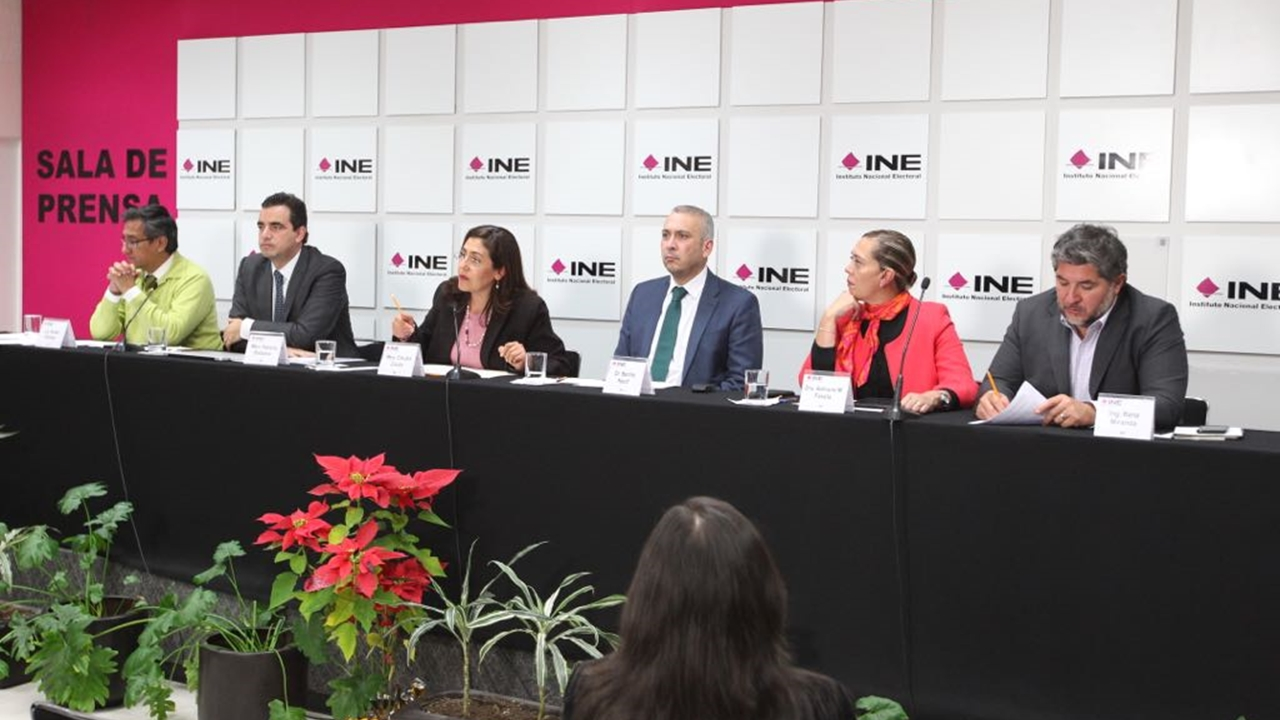 INE citará a independientes que recabaron firmas irregulares