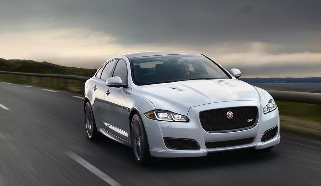 Jaguar transforma al XJ en un auto eléctrico