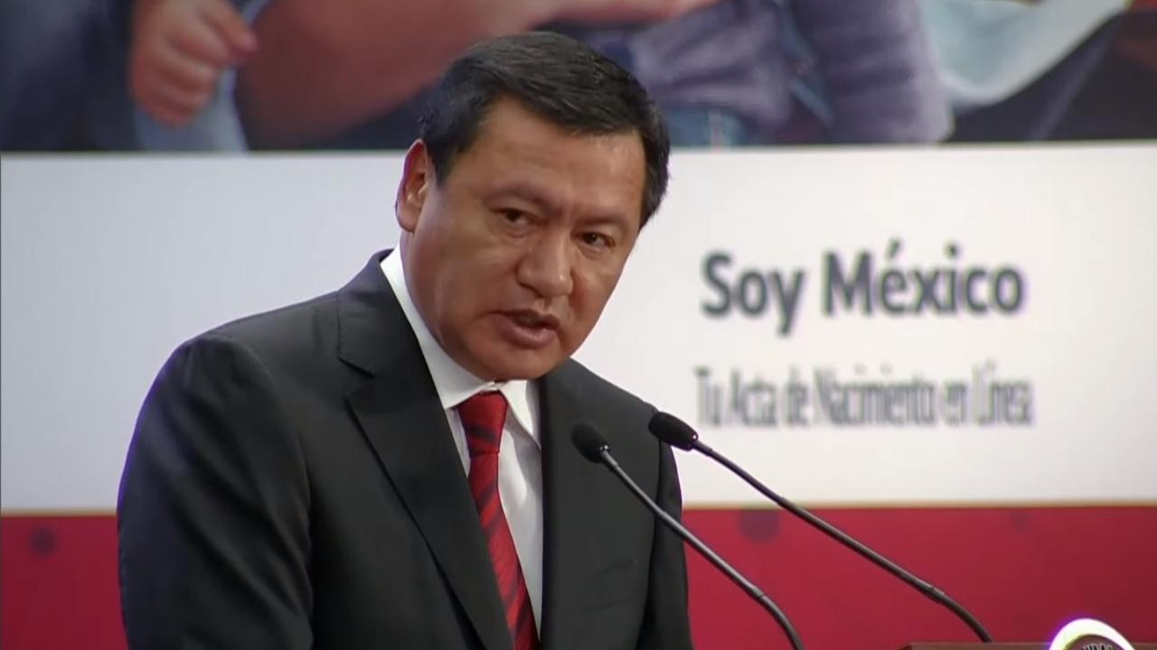 Osorio Chong lamenta salida de Narro del PRI; confía en salir de crisis