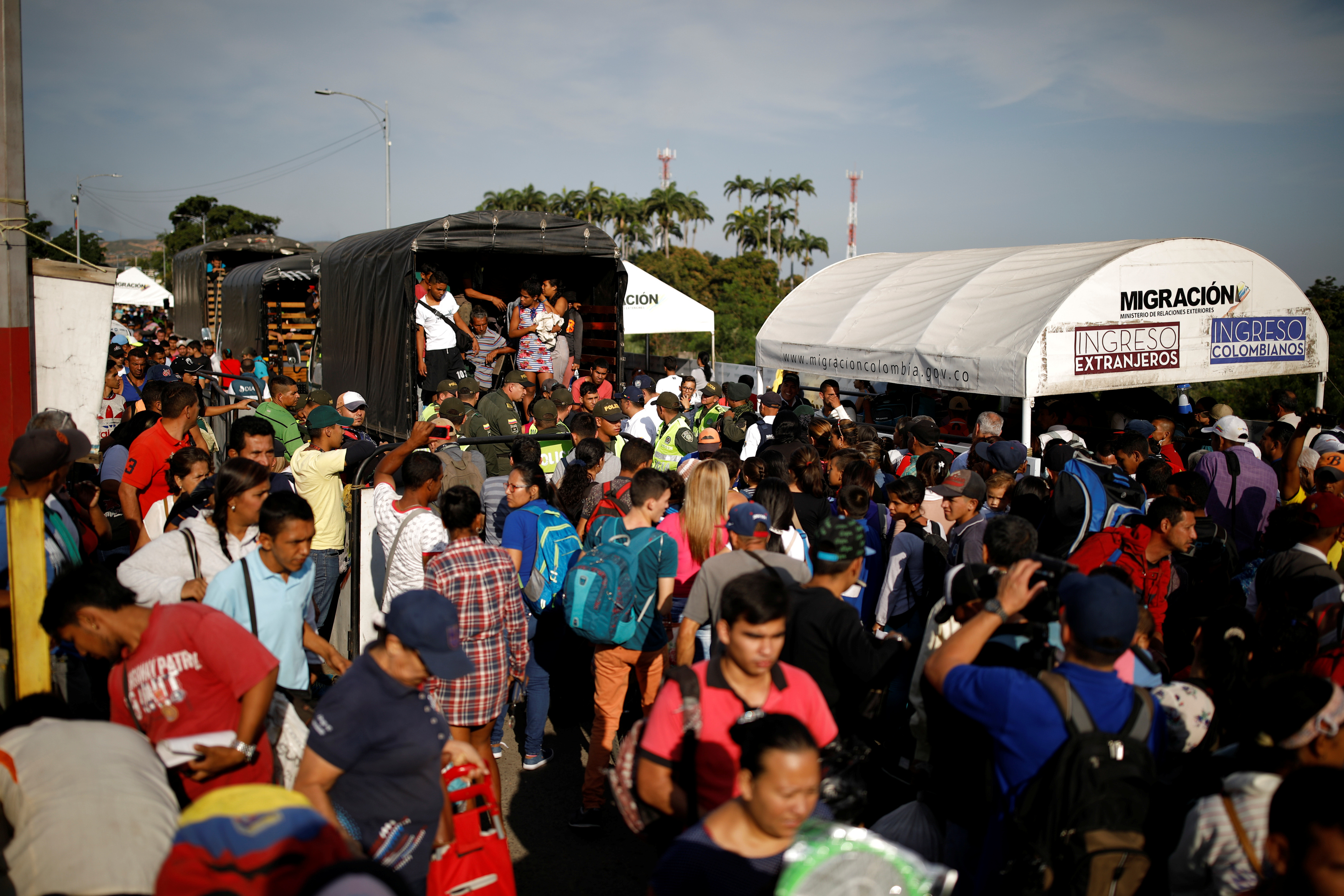Ecuador impone requisito para ingreso de venezolanos