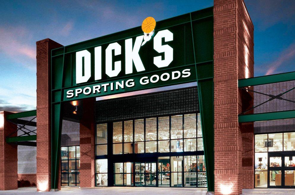 Dick's retirará rifles de asalto después de vender arma a tirador de Florida