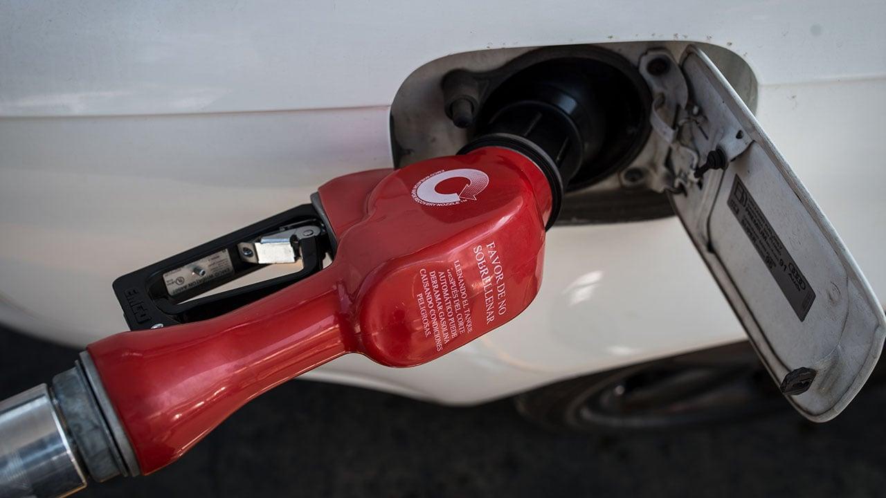 Usuarios reportan desabasto en gasolinerías de Ciudad de México