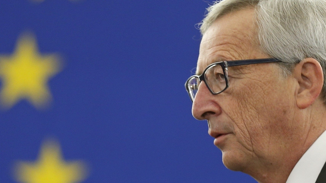 Juncker dice a partidarios del Brexit que no quiere 'superestado europeo'